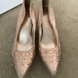 Enzo Angiolini pink gold kitten heels 7.5